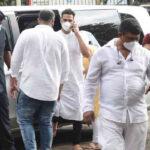 Director आनंद एल राय की माँ का हुआ निधन, अक्षय कुमार अंतिम संस्कार में हुए शामिल